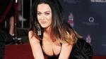 Katy Perry khoe vòng 1 nóng bỏng trên thảm đỏ