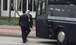 Martinal suýt bỏ lỡ trận đấu vì trễ xe buýt