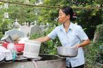 Cuộc sống của 4 mẹ con giữa nghĩa địa lớn nhất Sài Gòn