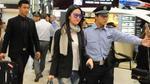 Lưu Diệc Phi bị chỉ trích vì công an hộ tống ở sân bay