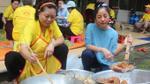 Danh hài Thúy Nga về nước nấu ăn làm từ thiện