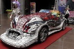 Ngắm 'siêu xe' từ 25.000 chiếc điện thoại phế liệu
