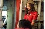 Bị chụp lén, nữ tiếp viên hàng không 'gây sốt' mạng xã hội vì quá xinh