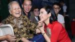 Việt Trinh mừng tuổi mới cùng các nghệ sĩ neo đơn