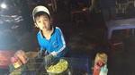 'Hot boy nhí' bán bánh tráng nổi tiếng nhất Đà Lạt