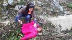 Trẻ em Tây Bắc ngủ bên vệ đường: Xin đừng tiếp tay cho sự tàn nhẫn!