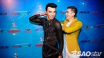 Cặp đôi 'Thượng ẩn' Thuận Nguyễn - Minh Trung ân cần chăm sóc nhau sau hậu trường VIP Dance
