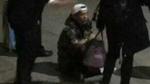 Luhan gục hẳn ở ga tàu vì bị đeo bám thái quá