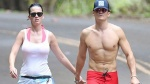 Katy Perry, Orlando Bloom diện 'mát mẻ', nắm tay tình tứ đi dạo