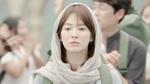 Soi style thời trang đơn giản của Song Hye Kyo trong Descendants of the Sun