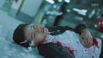 'Hậu duệ mặt trời' tập 13: Shi Jin (Song Joong Ki) bị bắn, tính mạng nguy kịch