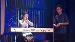 Hoa hậu Ngọc Hân xấu hổ khi chơi piano trước MC Anh Tuấn