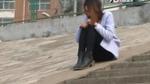 Cô gái trẻ đòi nhảy sông tử tự sau khi chia tay người yêu 69 tuổi