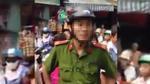 Người dân tố công an đánh nam thanh niên bán hàng rong ngất xỉu giữa chợ