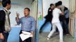 Thầy giáo bị học sinh đánh hội đồng trong giờ kiểm tra