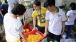 Xem sức hút của chợ phiên nông sản sạch với các bà nội trợ Sài Gòn giữa thời khủng hoảng thực phẩm bẩn