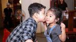 Con trai Trương Quỳnh Anh liên tục hôn má con gái Xuân Lan