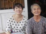 Mẹ già và con gái khốn khổ vì chuyện bịa đặt về mình trên Facebook