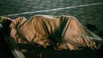 Giấc ngủ rét buốt của người vô gia cư giữa đêm Hà Nội 'ngày trở gió'