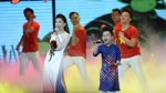 Nhật Minh The Voice Kids diện áo dài, tự tin khoe giọng cùng Dương Hoàng Yến