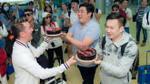 Mr Đàm bất ngờ tổ chức sinh nhật cho Dương Triệu Vũ ngay tại sân bay Nha Trang