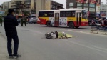 Nữ sinh lớp 12 đi xe đạp điện ngã ra đường bị xe bồn cán tử vong