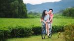 Ngô Kiến Huy tình tứ chở Miu Lê trong loạt ảnh mới nhất của 'Cô gái đến từ hôm qua'