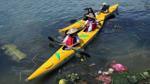 Khách Tây mua tour 10 USD để được chèo thuyền… vớt rác trên sông Hoài, Hội An