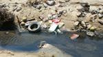 Cống nước thải đen ngòm, ngập rác bốc mùi xả thẳng ra biển Sầm Sơn