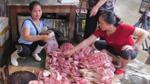 Chị bán thịt lợn bị hắt luyn bẩn lên tiếng về việc bị cấm bán ở chợ