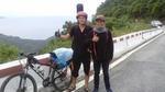 Đỗ đại học, chàng sinh viên đạp xe 1.000km 'báo' với người bố đã mất
