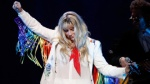 Nhìn chặng đường này để thấy fan US-UK cần ủng hộ Kesha thật nhiều, nhiều hơn nữa!