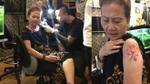 Bà thợ may 71 tuổi mê xăm hình ở Sài Gòn: 'Tôi là người sành điệu, lạc quan nên ai nói gì kệ họ'