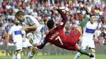 """Chùm ảnh: Ronaldo tung """"tuyệt đỉnh công phu"""", vượt mặt """"vua bóng đá"""""""