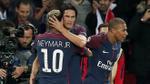 Cùng  'hủy diệt' Bayern, Neymar và Cavani trao nhau những cử chỉ ân cần
