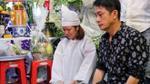 Con gái ruột của danh hài Khánh Nam khóc nấc khi từ Mỹ về chịu tang cha