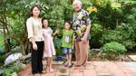 Chuyện tình hi hữu của cặp đôi chênh nhau 53 tuổi, tổ chức đám cưới suốt 28 ngày