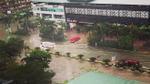 Mưa lớn do áp thấp nhiệt đới, nhiều tuyến đường ở thành phố Vinh chìm trong biển nước