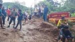 Sạt lở kinh hoàng ở Hoà Bình chôn vùi 19 người, đã đưa 9 thi thể ra ngoài