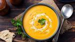 Món ngon Halloween: Súp bí đỏ nấu gừng