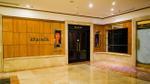 Chuỗi cửa hàng Khaisilk ở Sài Gòn và Hà Nội đồng loạt đóng cửa, dán thông báo 'kiểm tra điều chỉnh hàng hóa'
