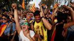 Catalonia tuyên bố độc lập: Người dân reo hò sung sướng