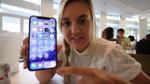 Con đăng video iPhone X lên mạng khoe, cha bị Apple cho nghỉ việc