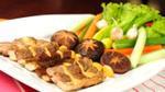 Món ngon mỗi ngày: Cách chế biến bánh gạo xào hải sản và thịt ba rọi nướng trà xanh