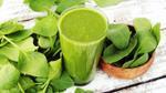 Món ngon mỗi ngày: Chế biến món smoothie tươi xanh với cải bó xôi, bơ và táo
