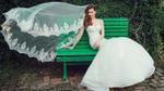 Diện váy cưới trắng tinh khôi, Hồ Ngọc Hà hóa 'cô dâu' kiều diễm