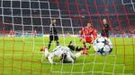 PSG thua đậm, Atletico Madrid bị loại sau lượt đấu cuối vòng bảng Champions League