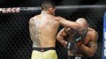 Võ sĩ UFC 'mình đồng, da sắt', dính 48 cú đòn trong 23 giây vẫn 'tỉnh như sáo'