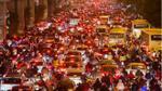 Chùm ảnh: Đường phố Hà Nội ùn tắc kinh hoàng trong đêm Noel
