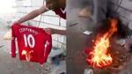 Clip: Fan Liverpool tức giận đốt áo của Coutinho